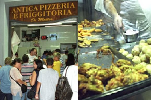 """スパッカナポリにある人気の揚げ物とピザの店 """"Di Matteo"""""""